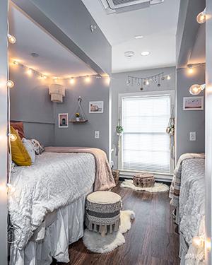 A bedroom in Gamma Iota