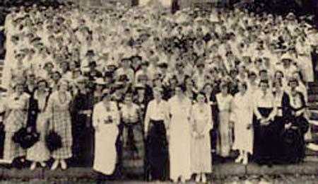 450  X 450 1919